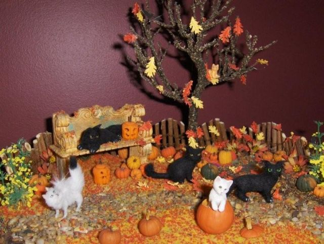 Halloween Scenes - The Greenleaf Miniature Community