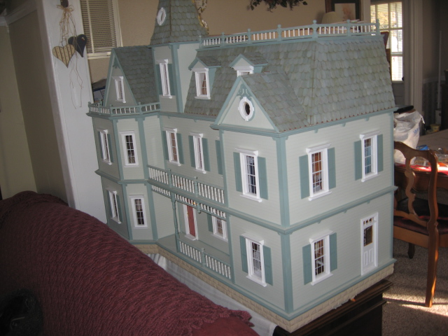 Colleen's Bostonian - this kit makes one BIG house!&