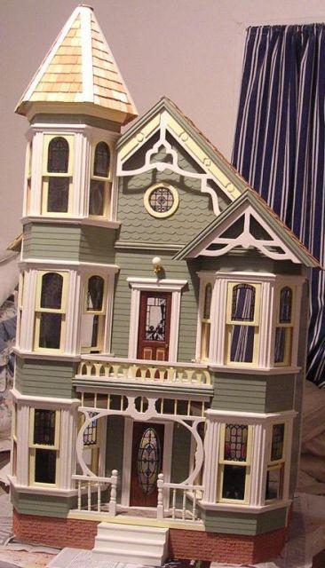 San Franciscan The Greenleaf Miniature Community
