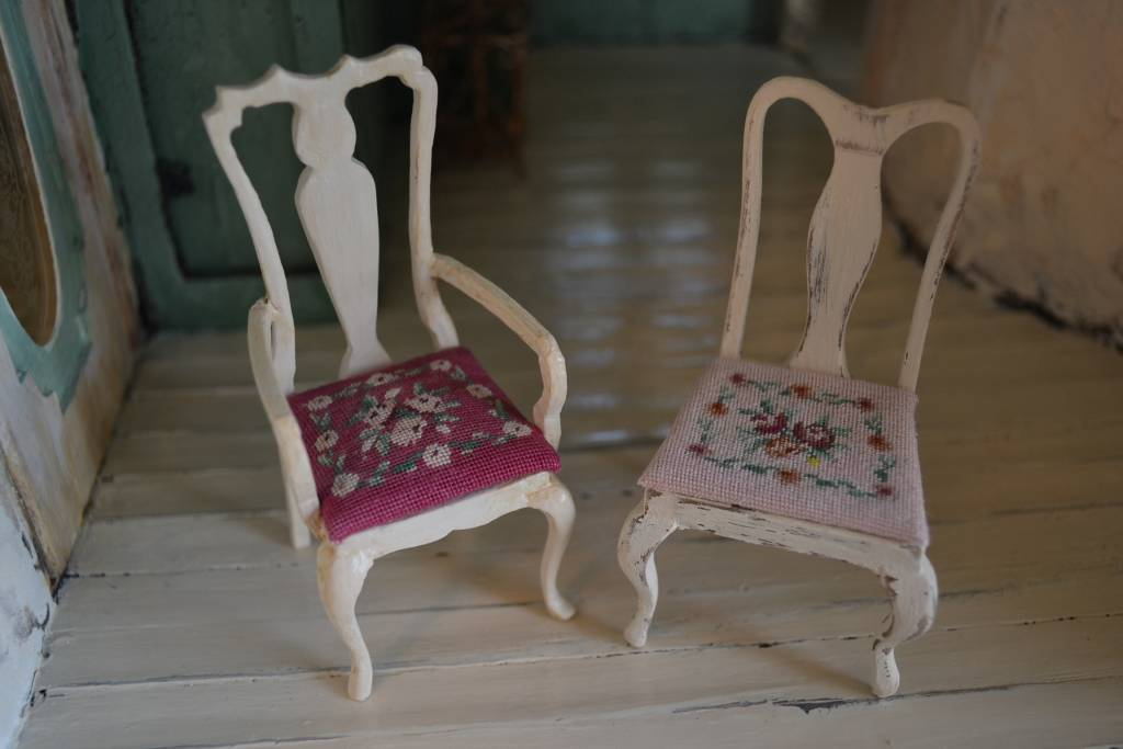 Needlepoint chair cushion