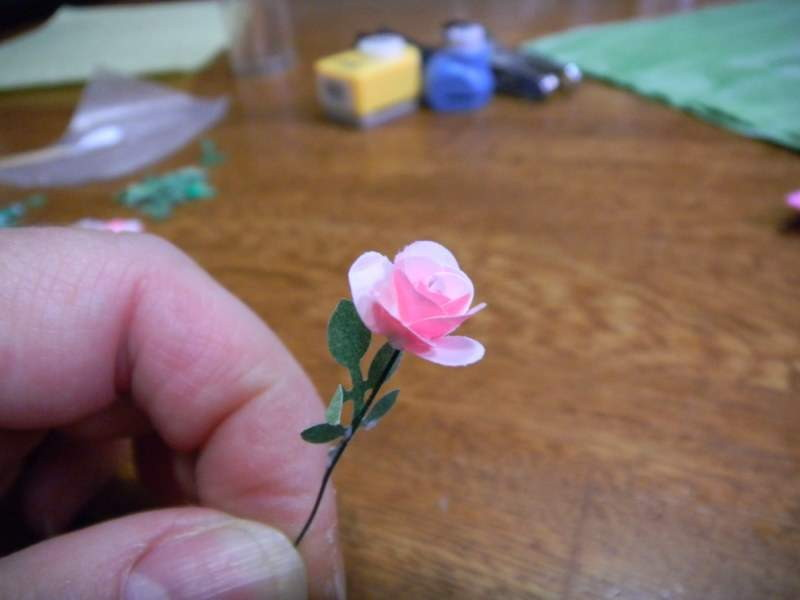 Finished rose with leaf.