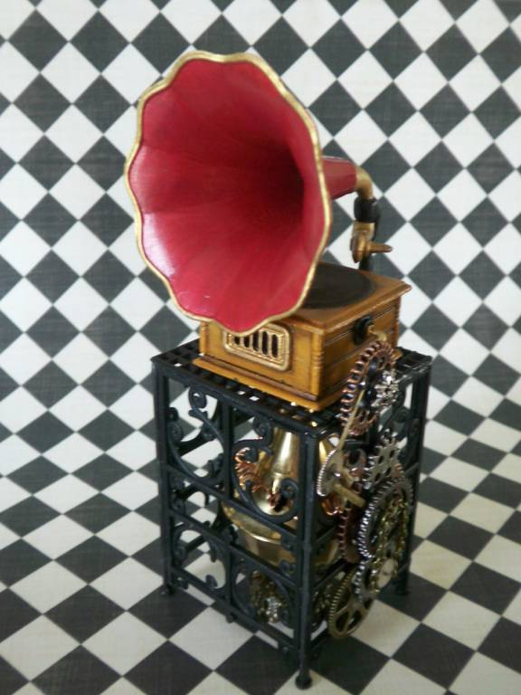 Steampunk Phonograph, 3/4 view