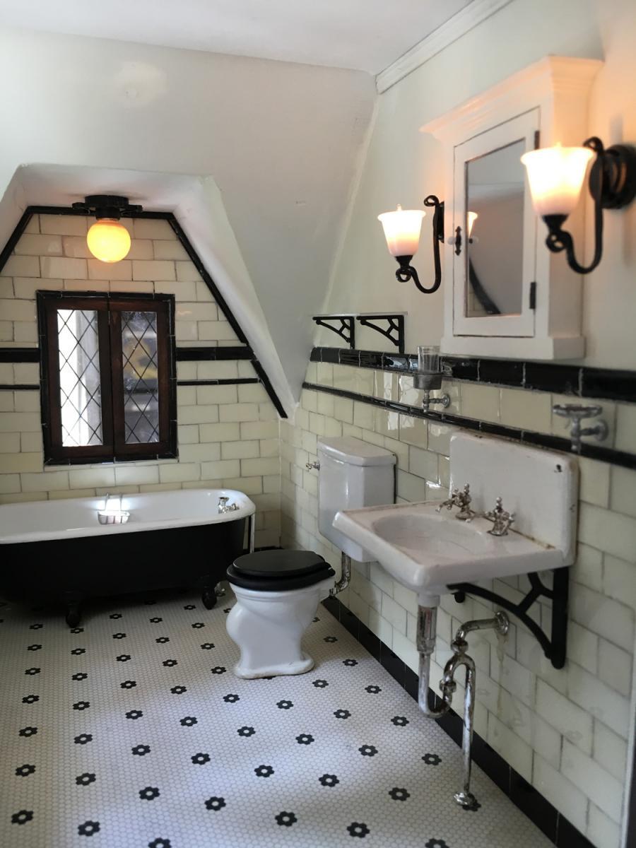 Bathroom: Lighting