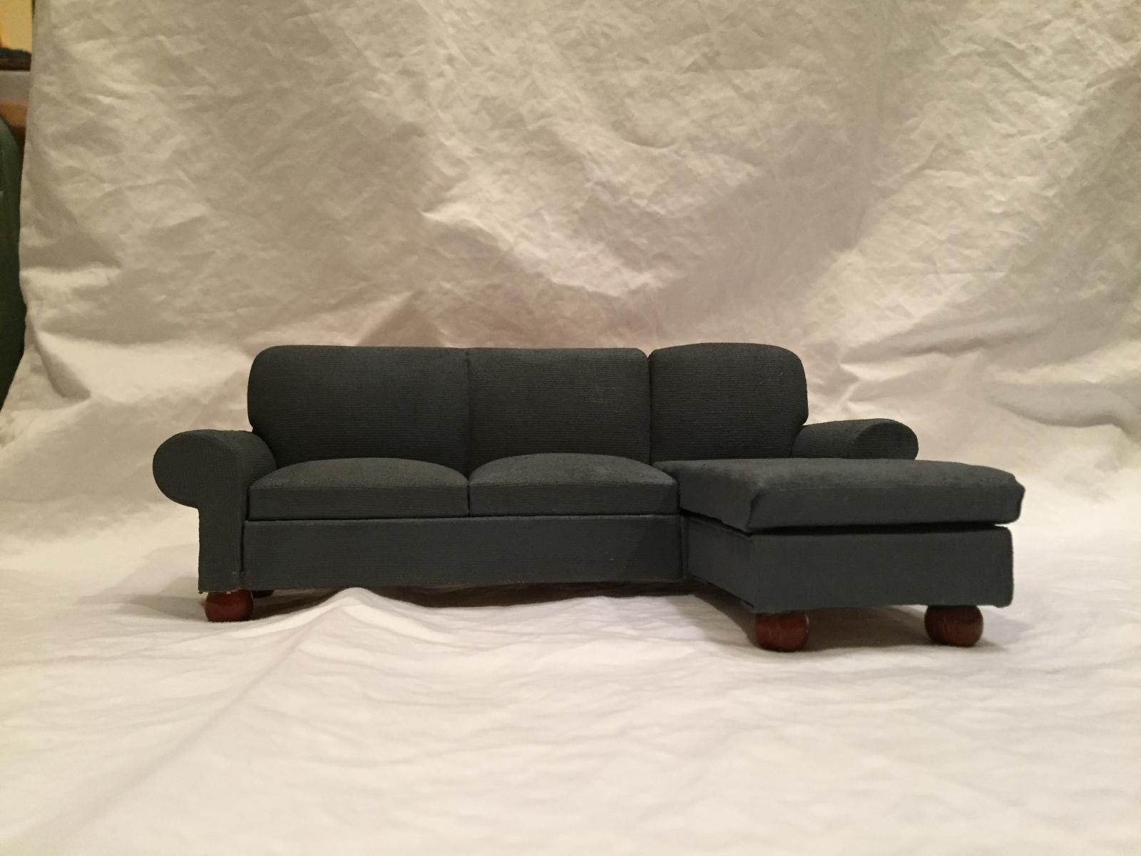 Large Sofa w/chaise