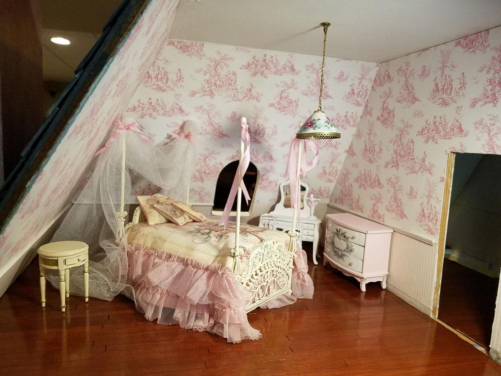 large.girlsBedroom.jpg.b630e94e007f7268f