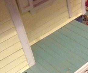 green_porch.JPG