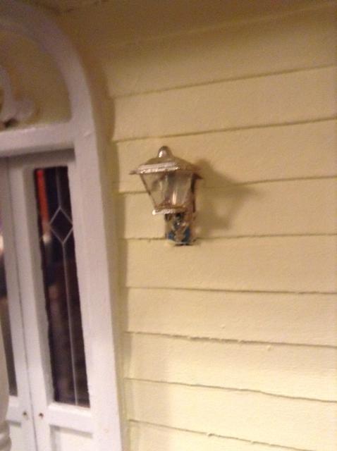 porch_light.JPG