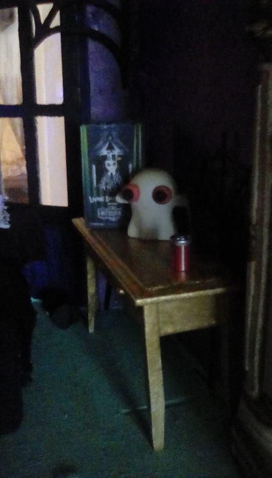 Beetlejuice Living Dead doll box