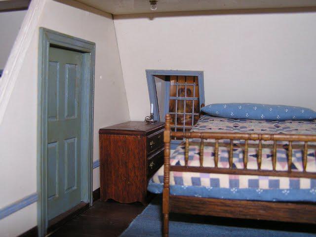 32-westwing-bedroom1.jpg