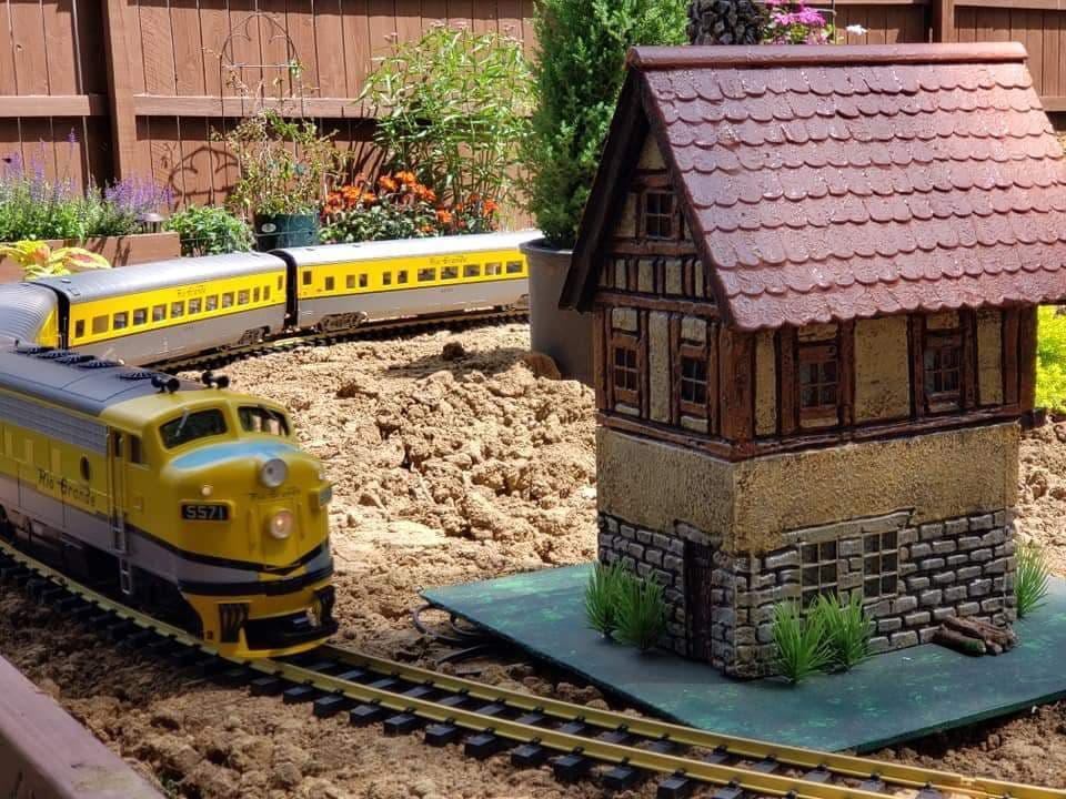 one of a kind 1:24 outdoor house