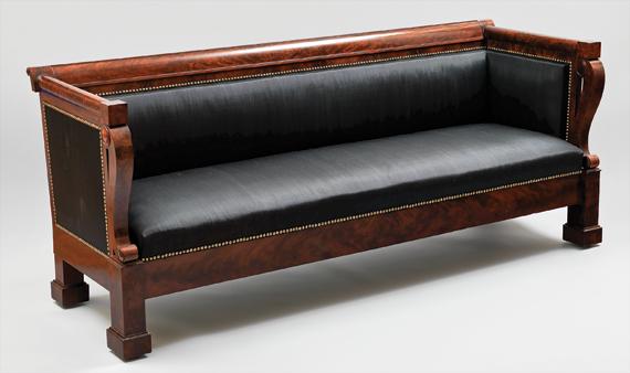 Phyfe Box Sofa.png